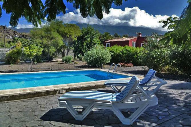 Visit La Palma - Apartamentos Las Flores