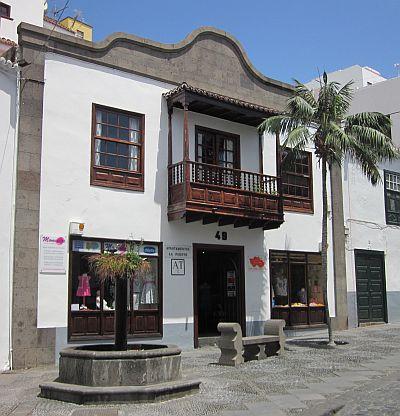 Visit La Palma - Apartamentos La Fuente