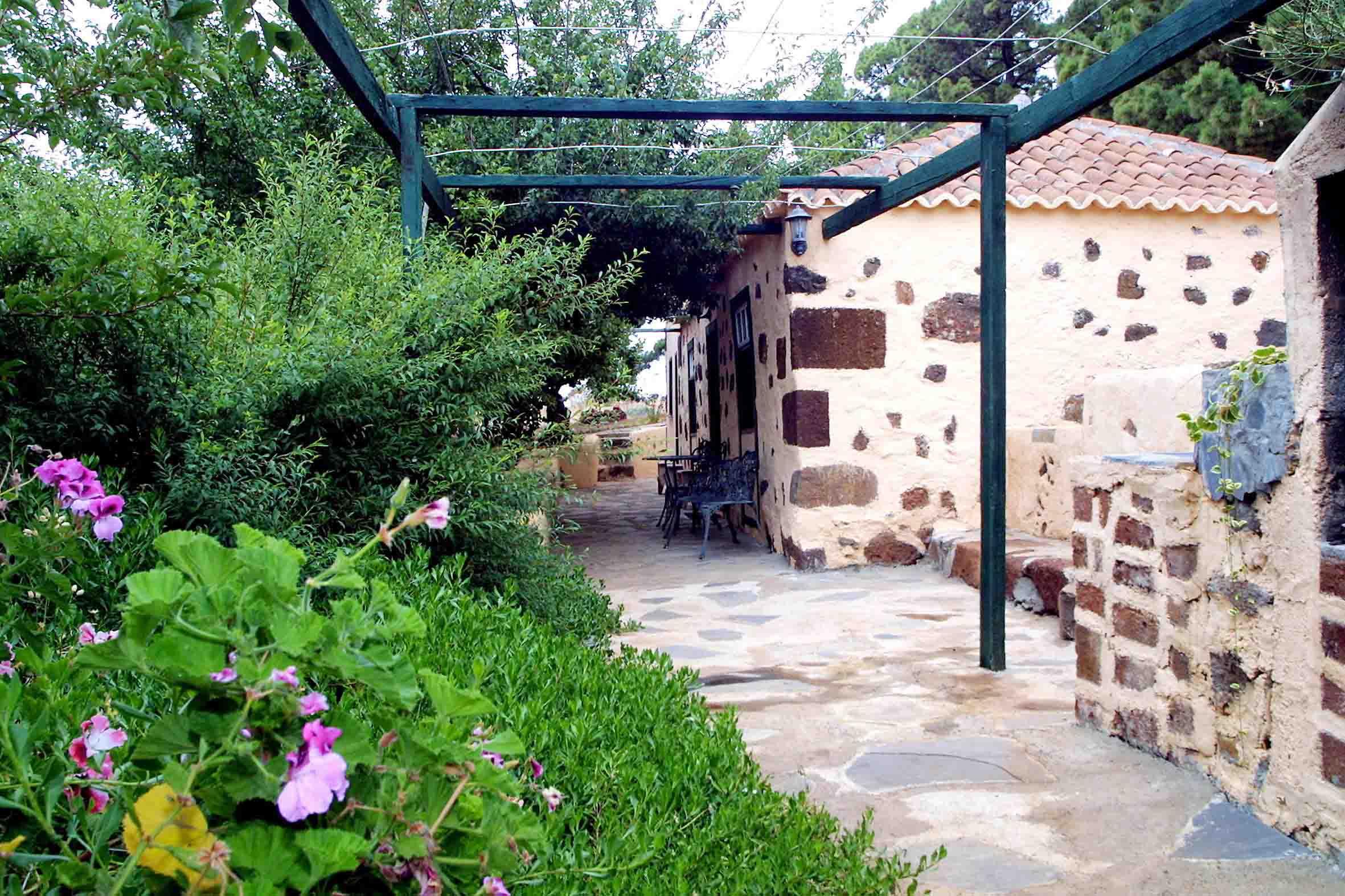 Visit La Palma - Casa La Podona